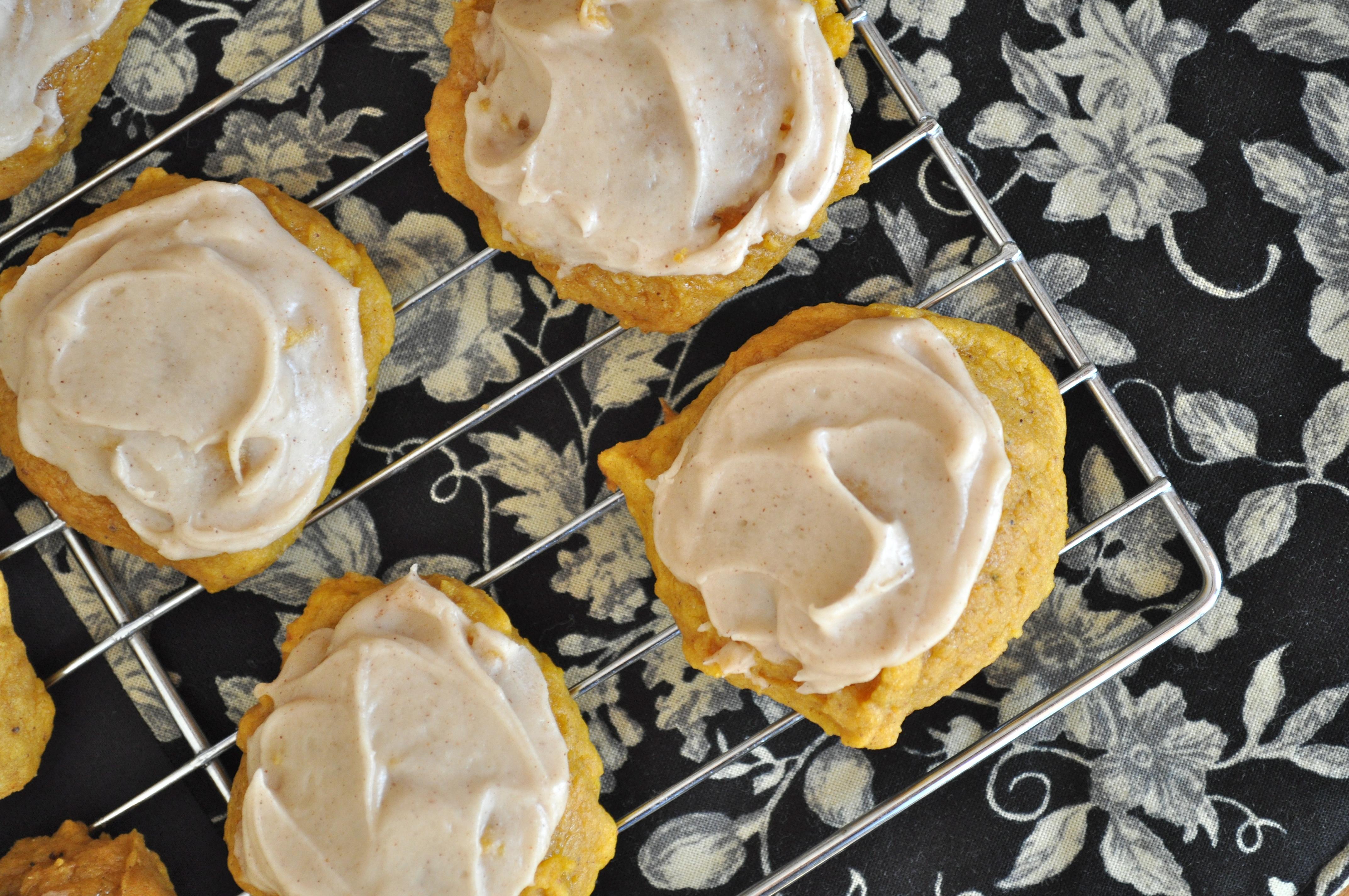 Falling | Pumpkin Cookies with Cinnamon Frosting