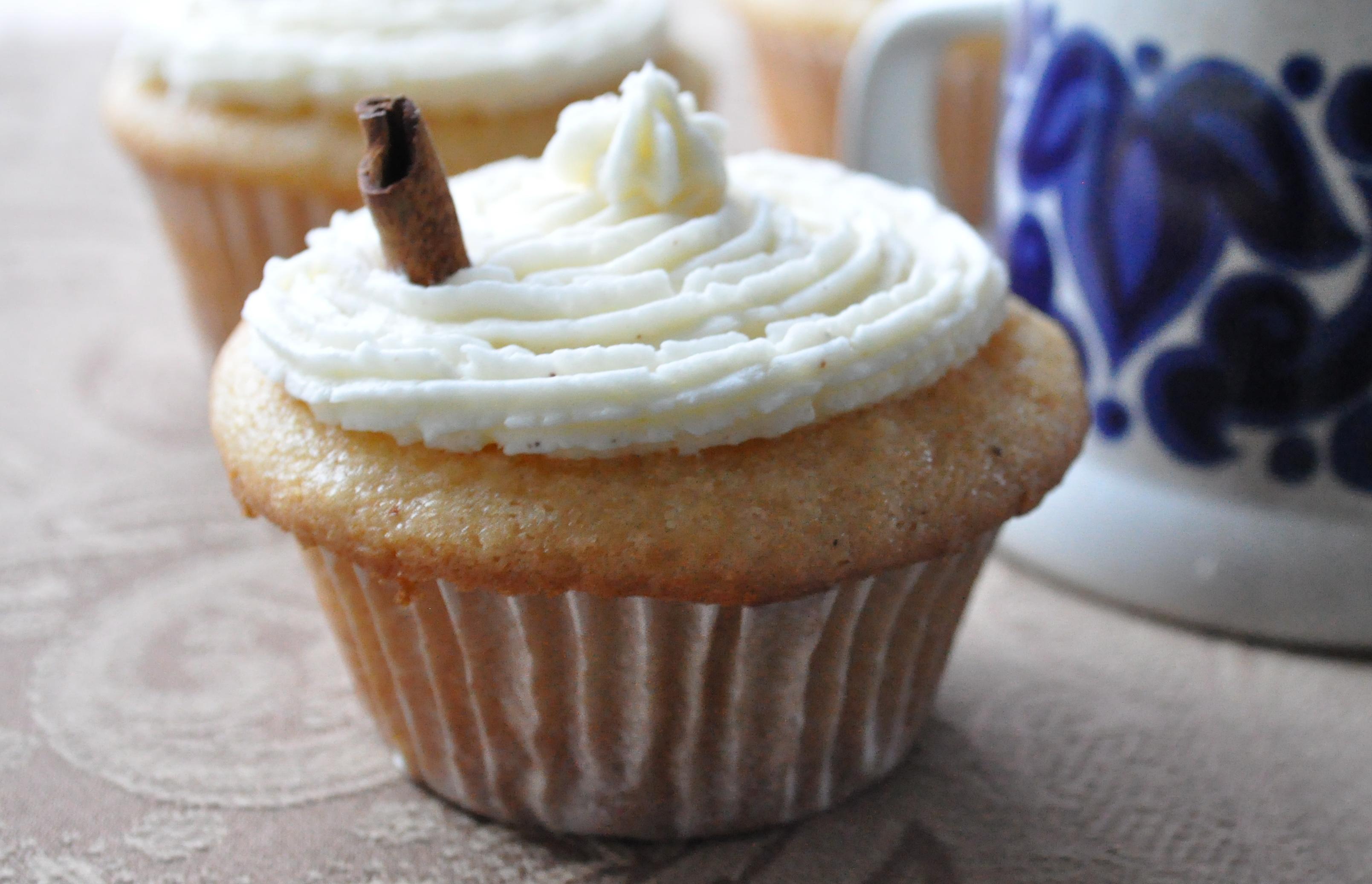 One Last Taste for 2011 | Egg Nog Cupcakes