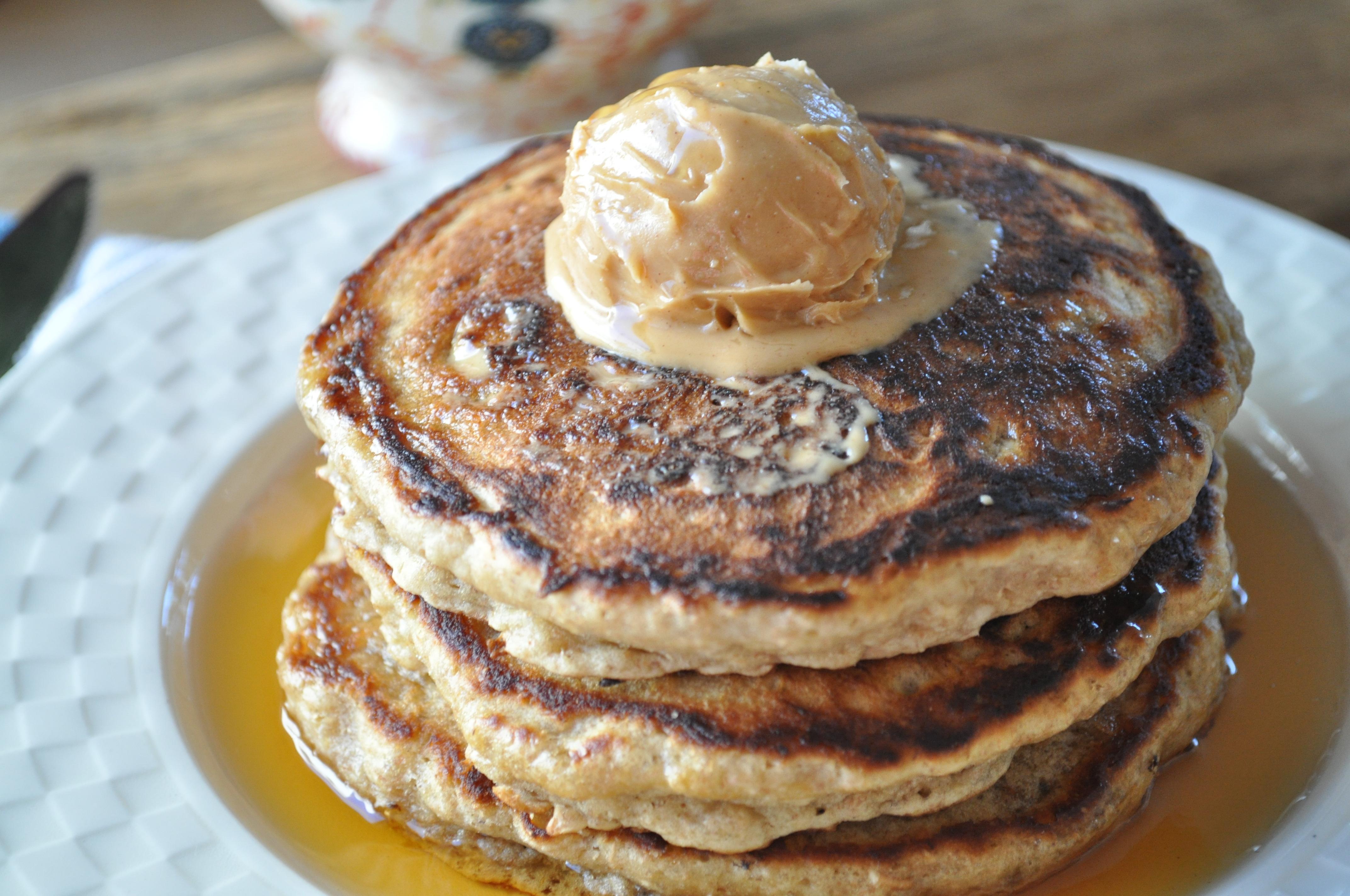 Weekend Rules | Banana Bread Oatmeal Pancakes